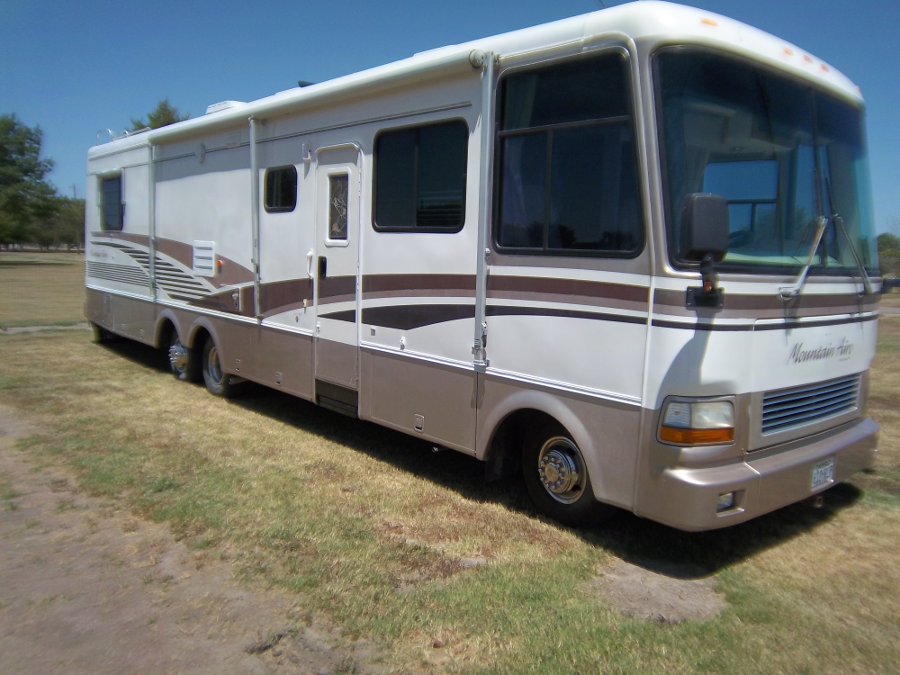 Classic Rides The Mountain Aire Class A Motorhome Let